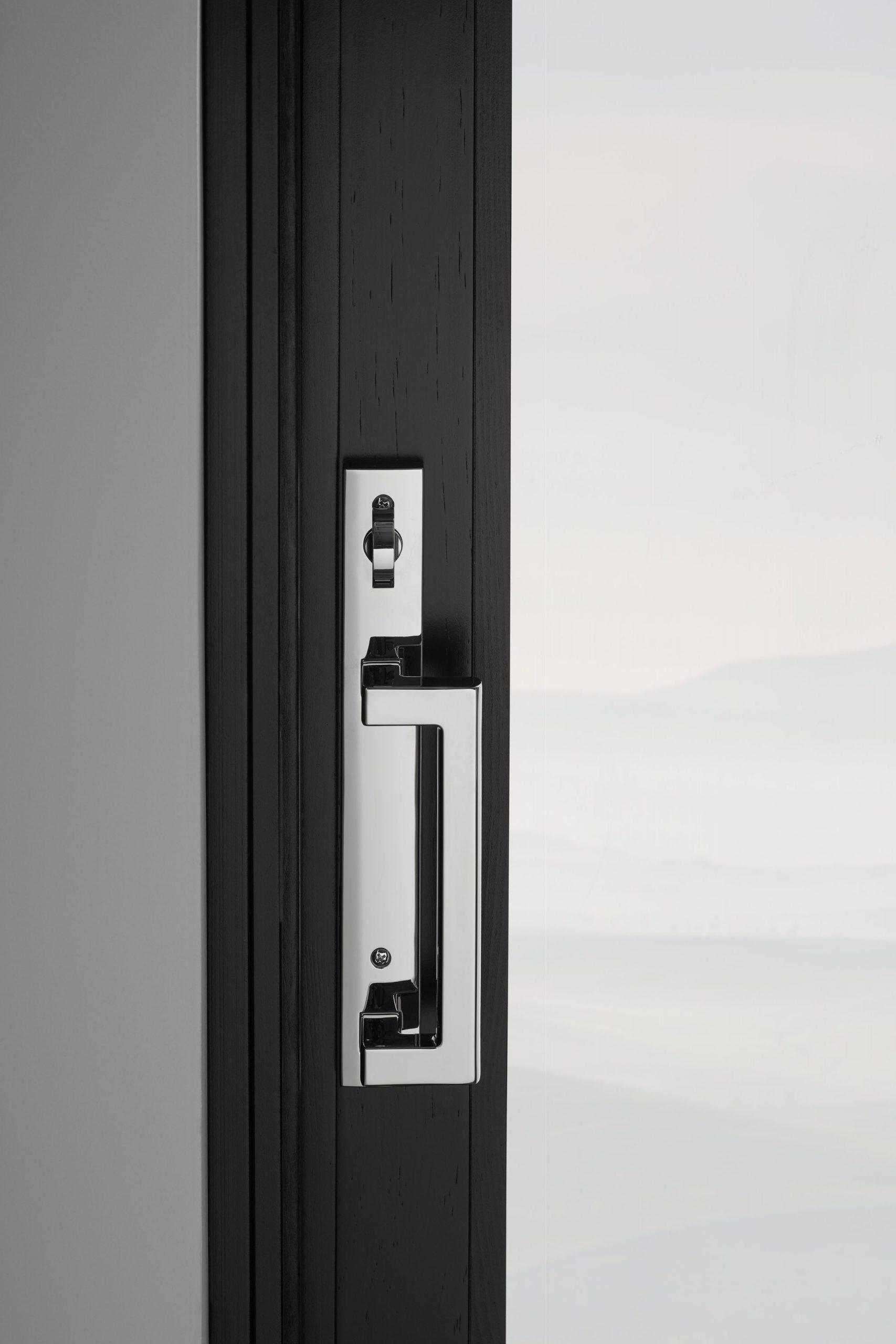 דלתות וחלונות מעץ אלומיניום