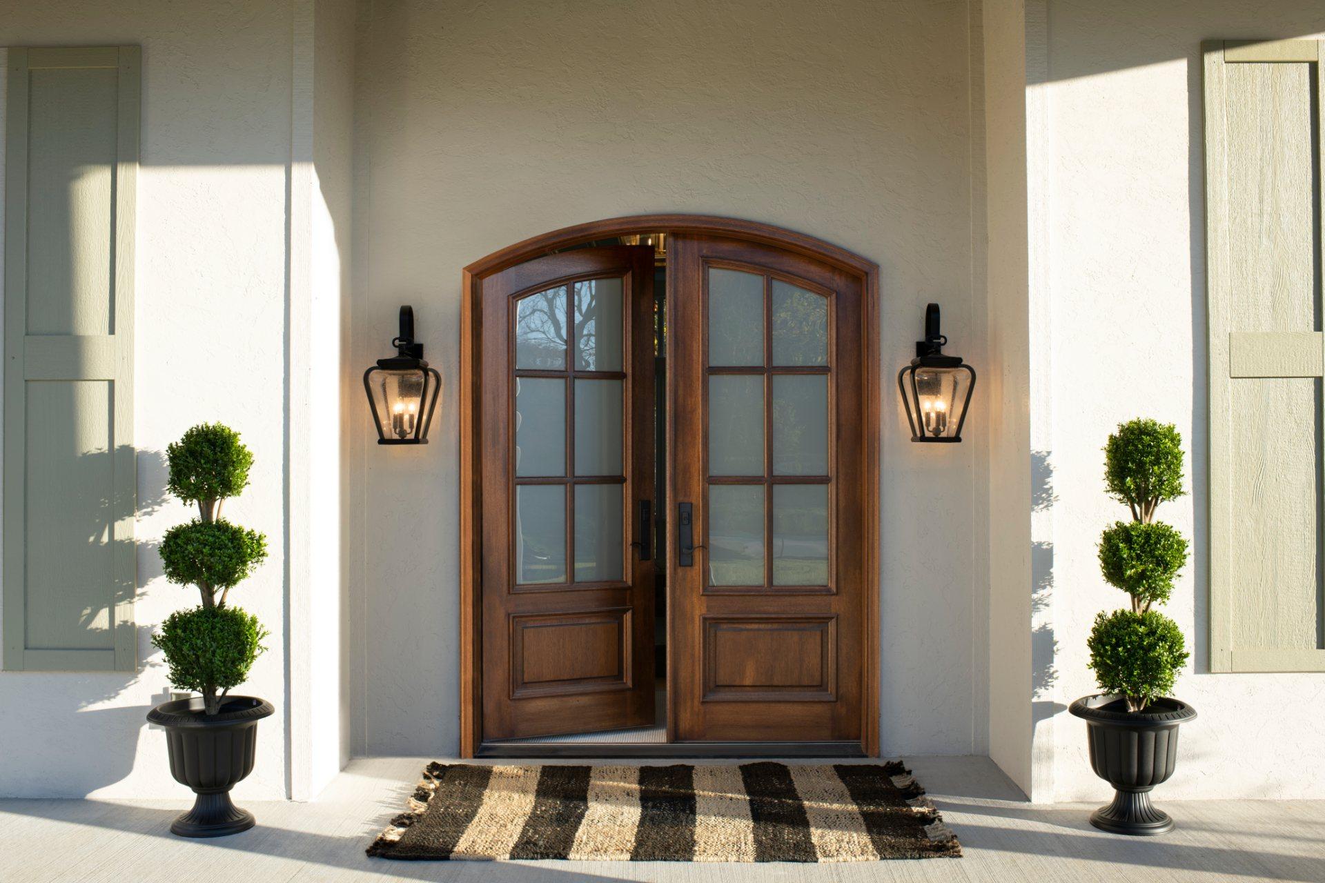 דלתות עץ מבודדות
